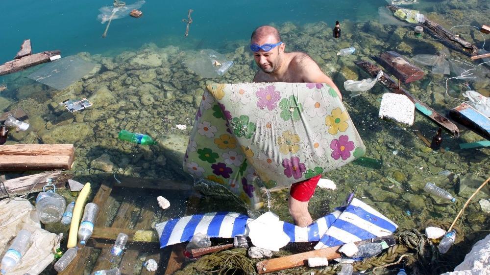 Denizdeki çöpleri topladılar!