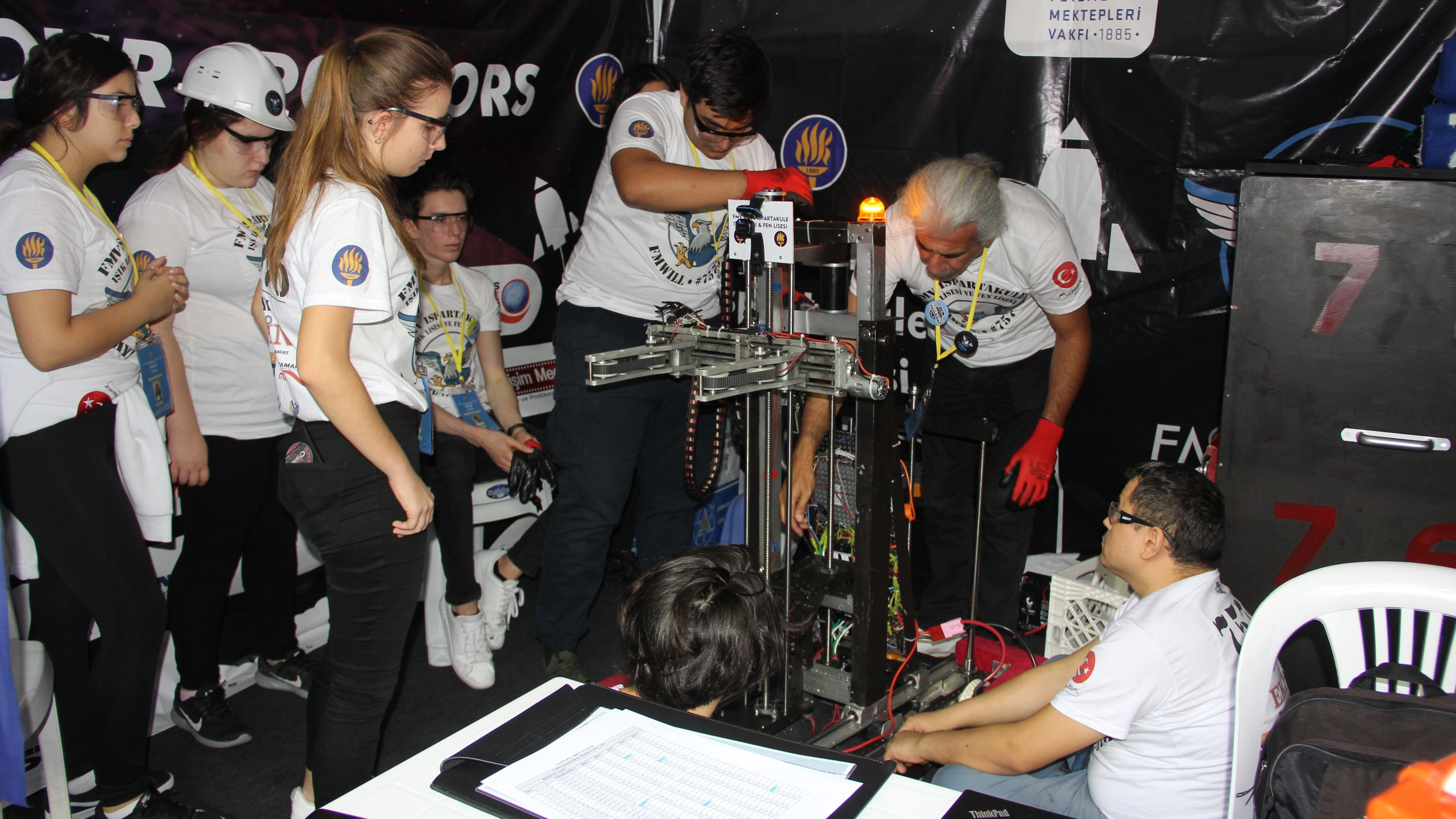 Mersin'de Robotik Turnuva heyecanı başladı