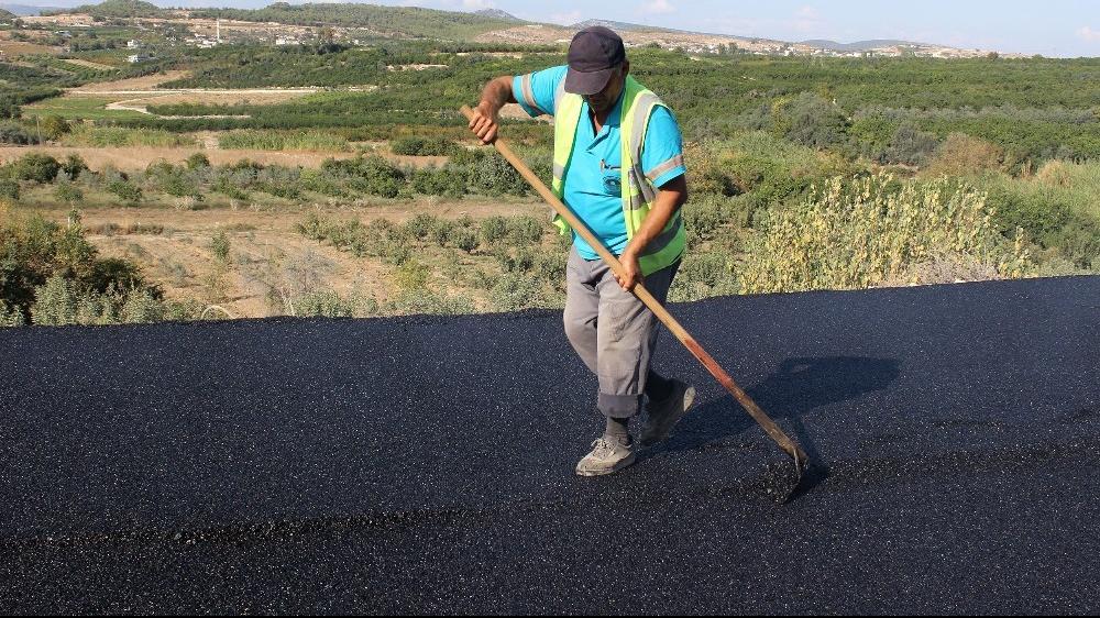 Mersin'de bozuk yollar asfaltlanıyor!