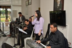 Mersin'deki emeklilere müzik ziyafeti