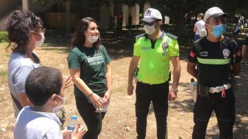 Öğrencinin yardımına polis yetişti