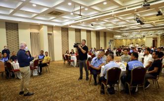 Mustafa Gültak, Zabıta personeliyle buluştu