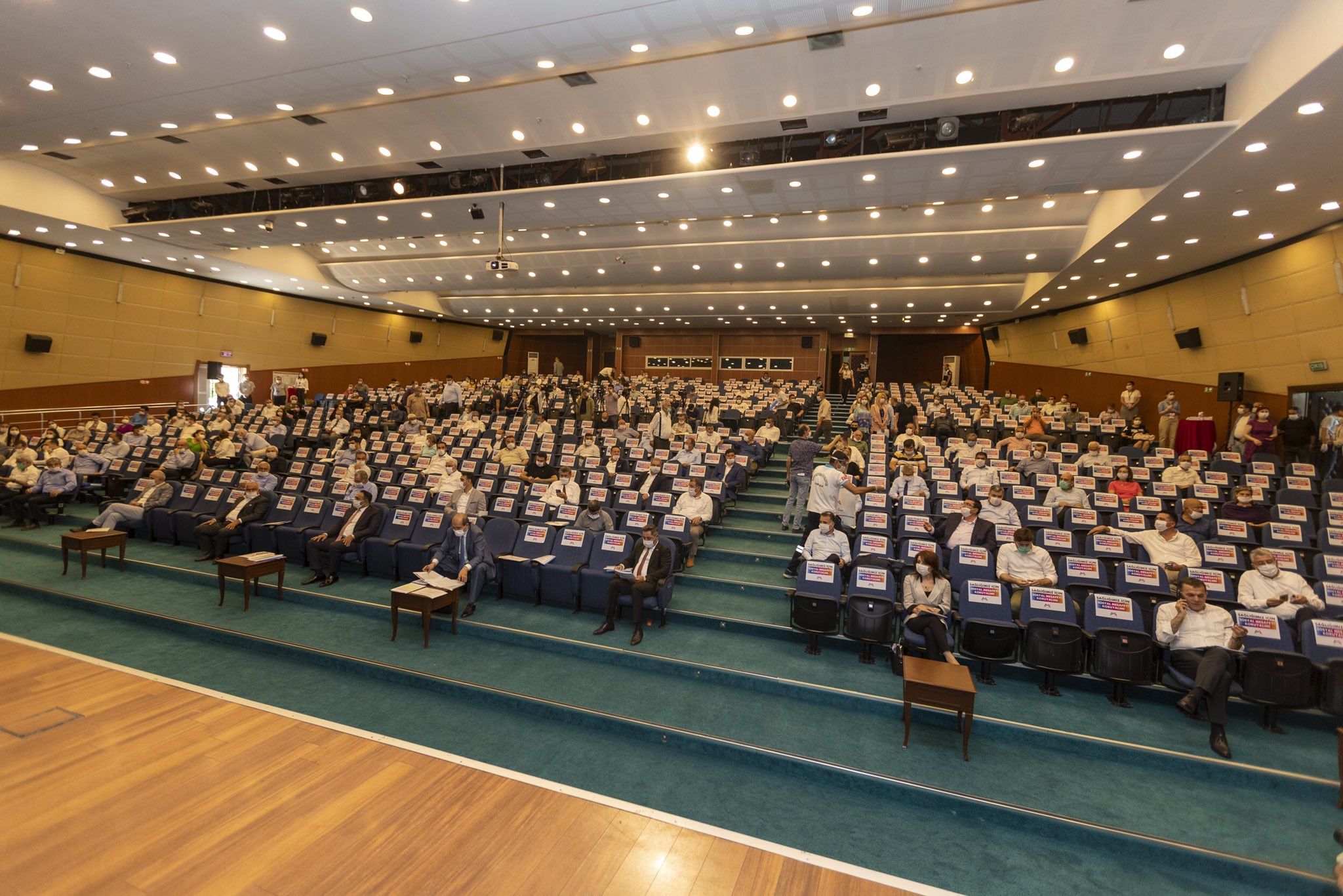 CHP'den gazetecilere sansür