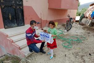 Akdeniz Belediyesi'nden öğrencilere kırtasiye desteği