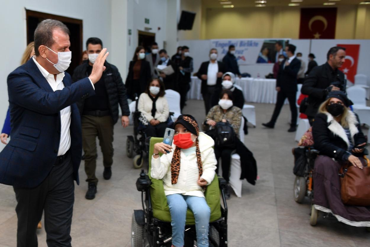 Başkan Seçer, engelli dernekleri yöneticileriyle buluştu