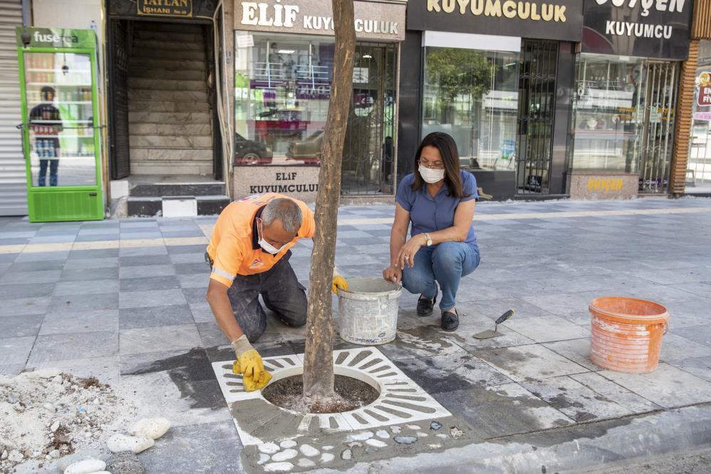 Akdeniz'de kaldırımlar yenileniyor