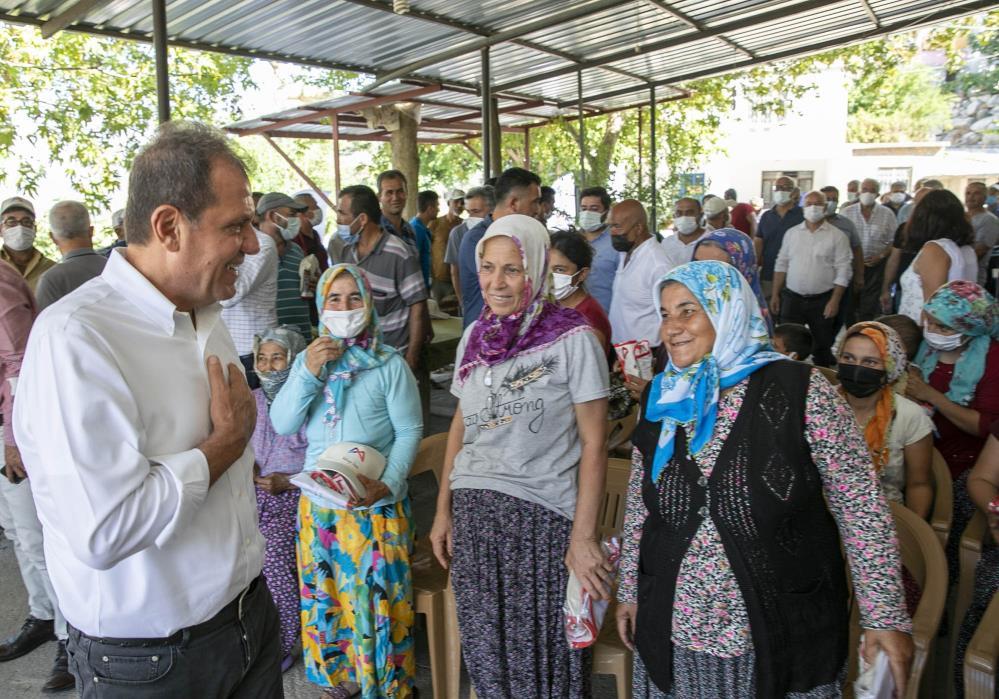 Başkan Seçer, Silifkelilerle buluştu, bayramlarını kutladı