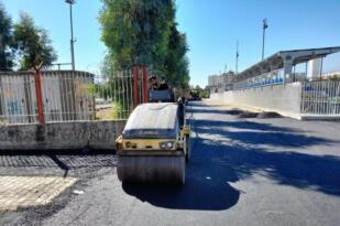 Akdeniz'de kaldırım yenileme çalışmaları sürüyor
